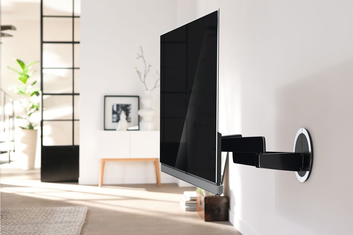 Vogel's NEXT 7346 Full-Motion OLED TV Wall Mount - Suitable for 40 up to 65 inch TVs up to 30 kg - Motion (up to 120°) - Ambiance