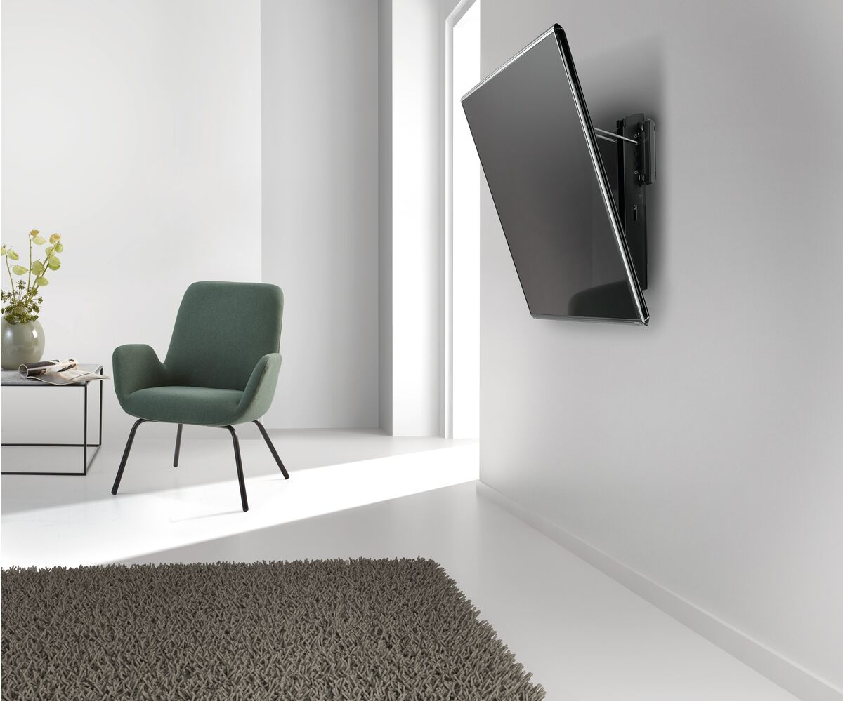 Vogel's BASE 15 M Tilting TV Wall Mount - Suitable for 32 up to 55 inch TVs up to 30 kg - Tilt up to 15° - Ambiance