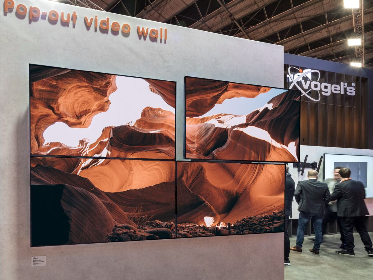 Vogel's PFW 6870 Video wall pop-out wall mount - Ambiance