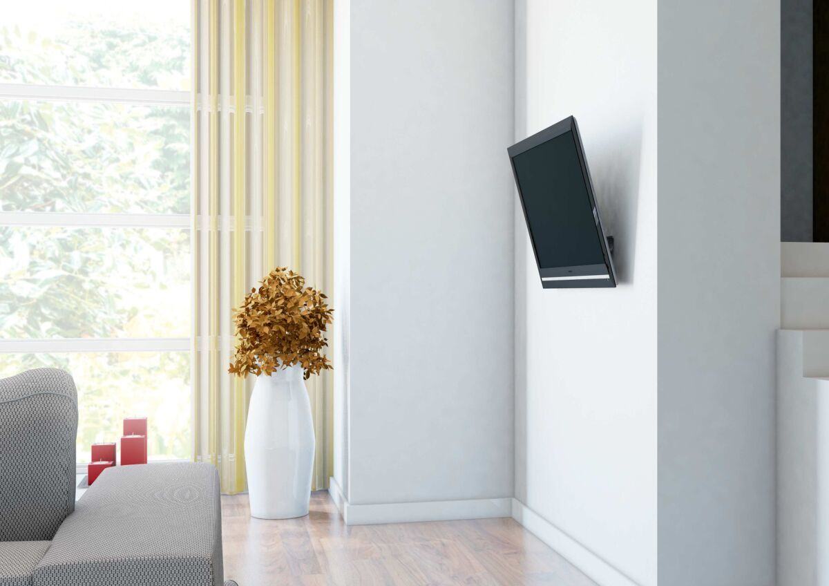 Vogel's THIN 315 UltraThin Tilting TV Wall Mount - Suitable for 40 up to 65 inch TVs up to 25 kg - Tilt up to 15° - Ambiance
