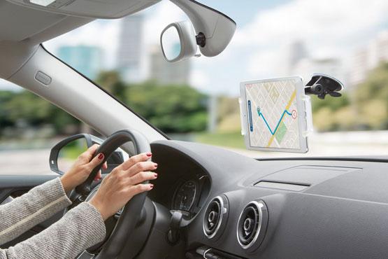 Mobiele telefoon bevestigen in auto