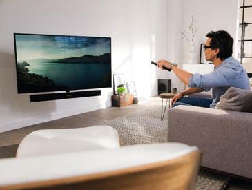 Elektrische Fernseherhalterung mit integriertem Ton