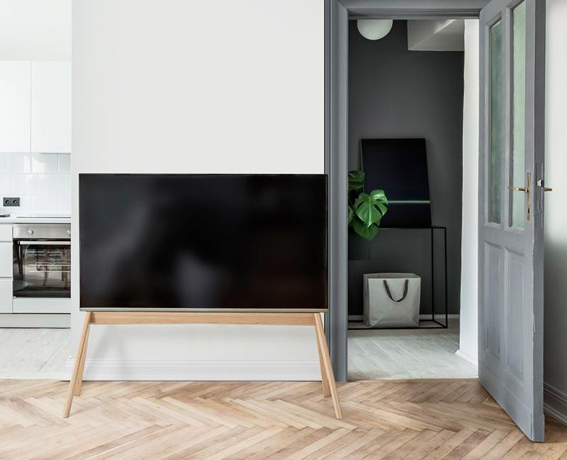 NEXT OP2 TV Floor stand| Vogel's
