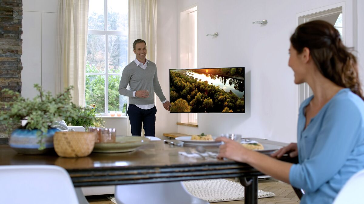Vogel's full-motion OLED wall mount, suitable for OLED TVs